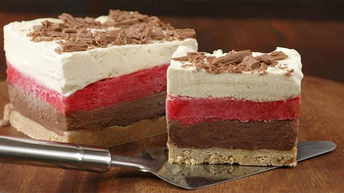 Rafraichissant gâteau quadricolore glacé