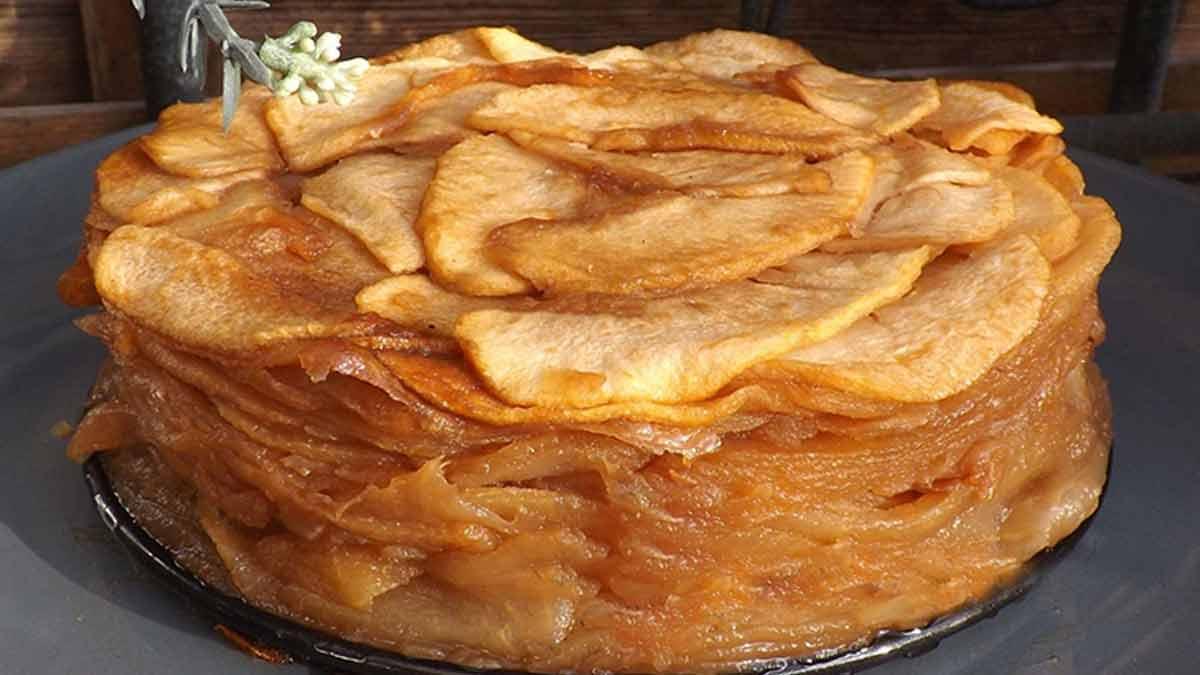 Succulent gâteau très léger confit aux pommes