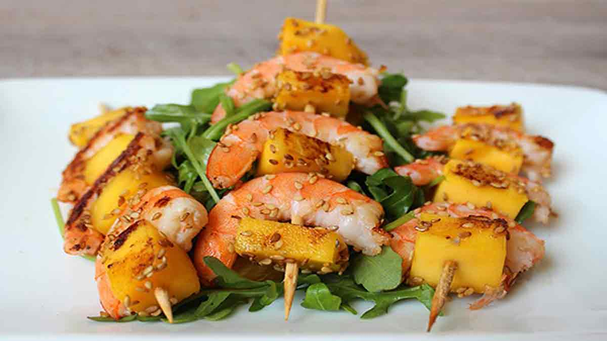 brochettes crevettes-mangues