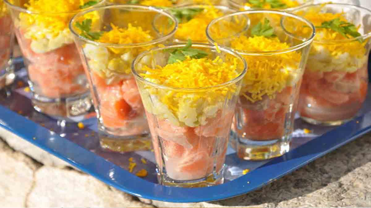 verrines œuf mimosa-tartare de saumon