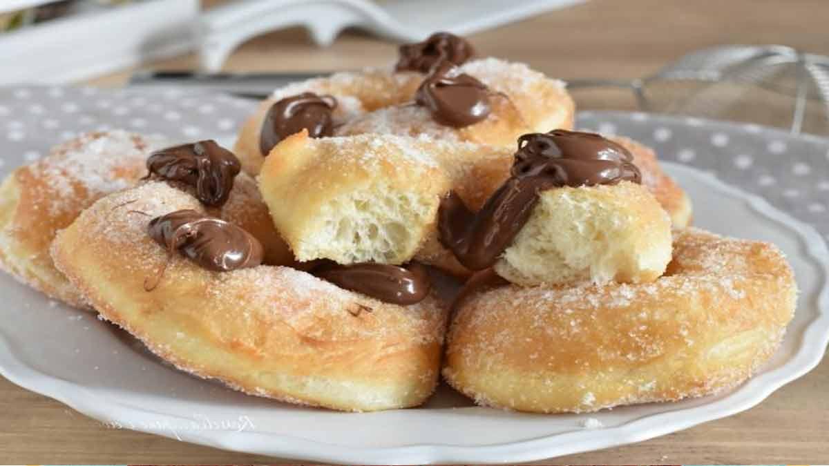 Doux donuts généreusement farcis