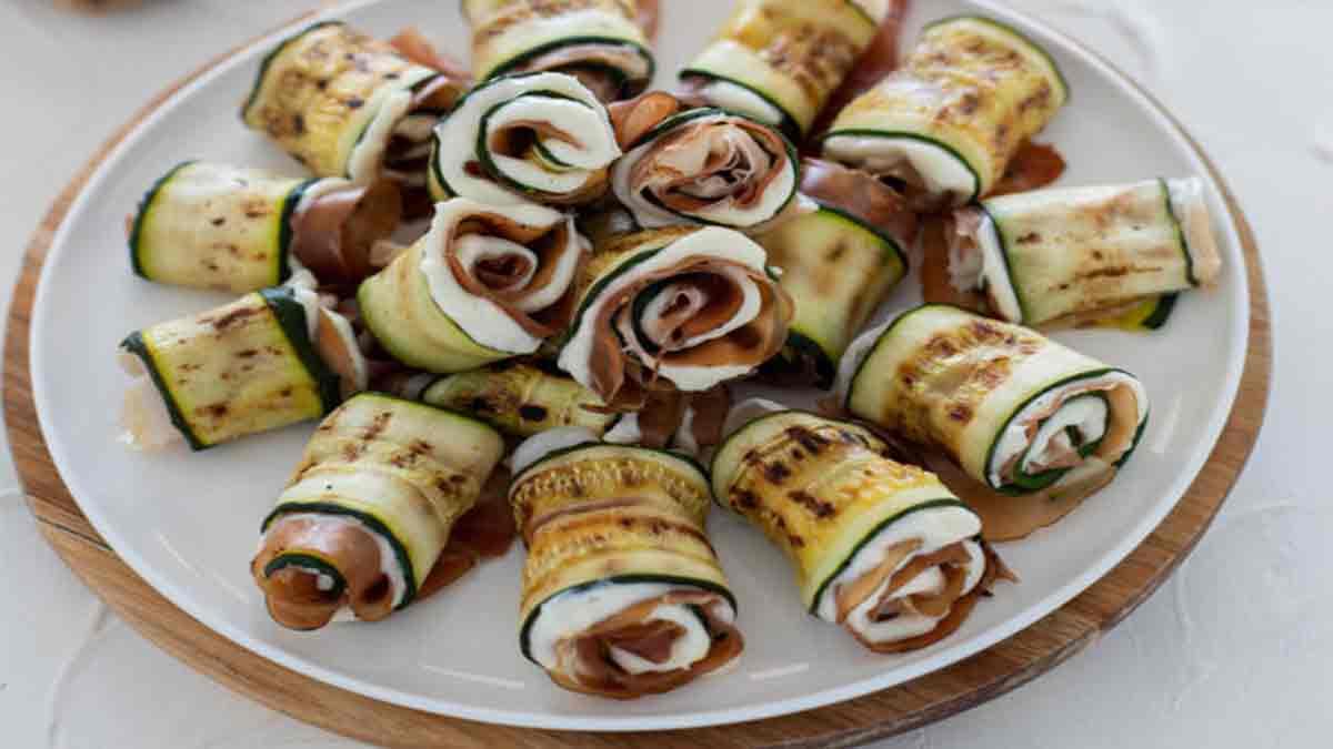 Rouleaux de courgettes grillées au jambon et Saint-Moret