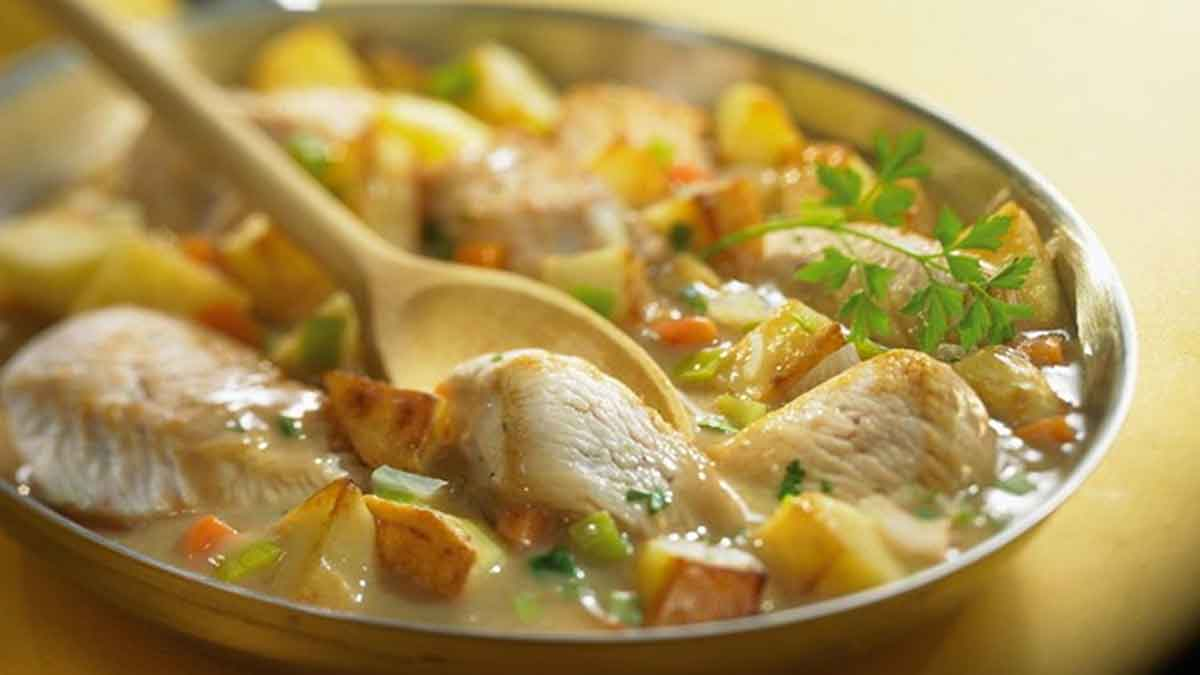 Alléchant poulet et légumes sautés à la sauce