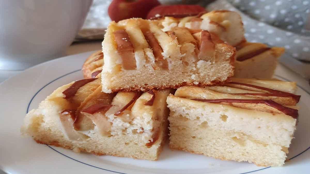 carrés moelleux à la ricotta et aux pommes