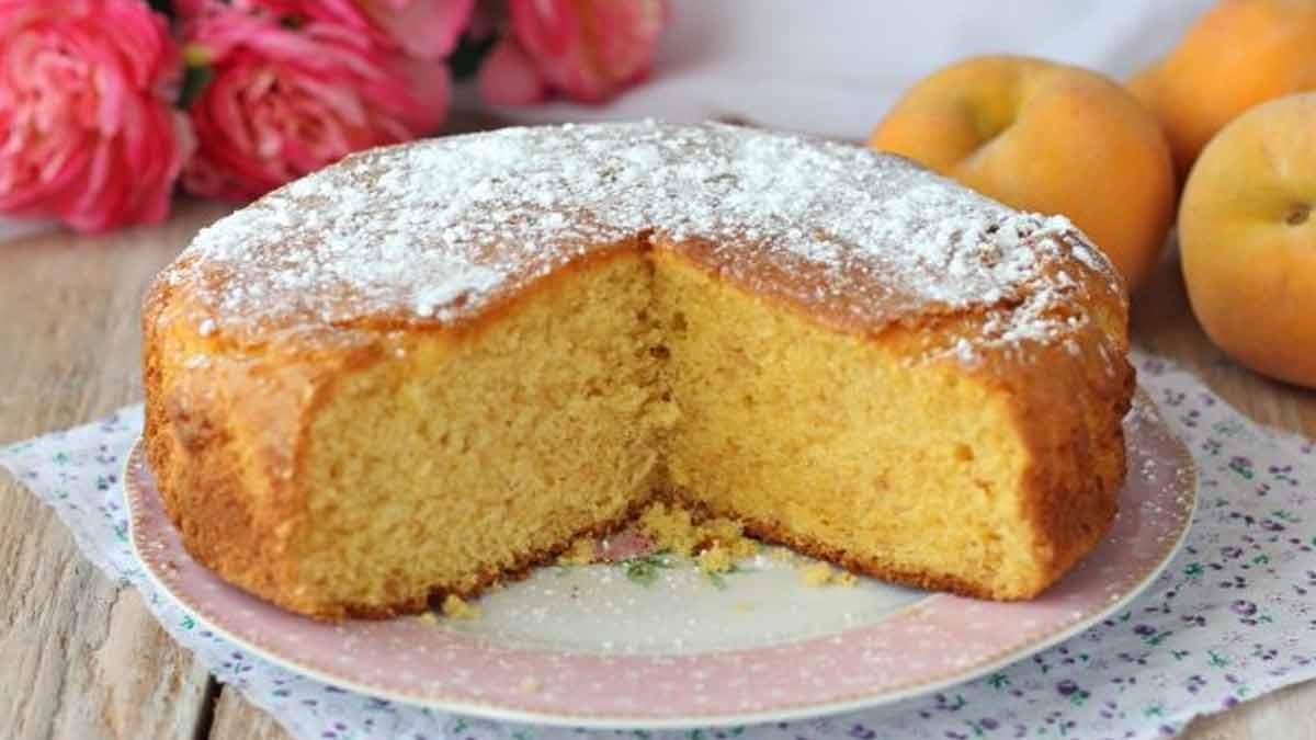 Doux gâteau aux pêches extra léger