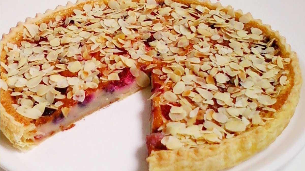 Appétissante tarte-flan aux fruits rouges