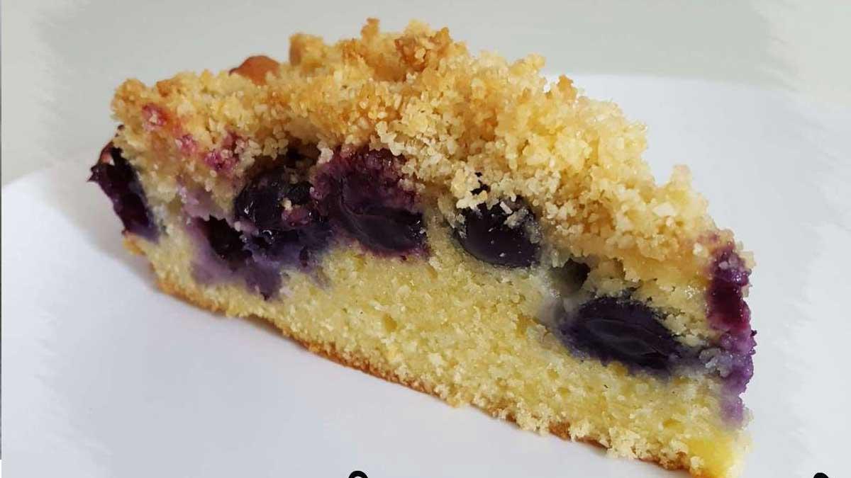 Irrésistible crumb cake à la myrtille