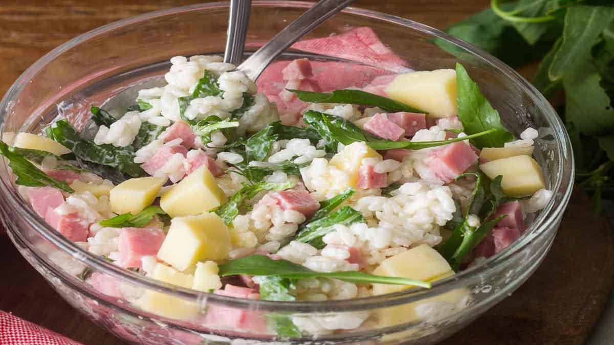 Salade de riz au fromage et au jambon