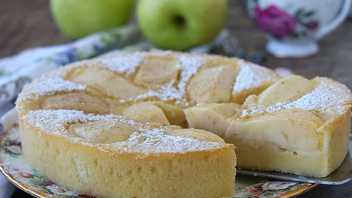 Succulent clafoutis de pomme sans levure ni beurre